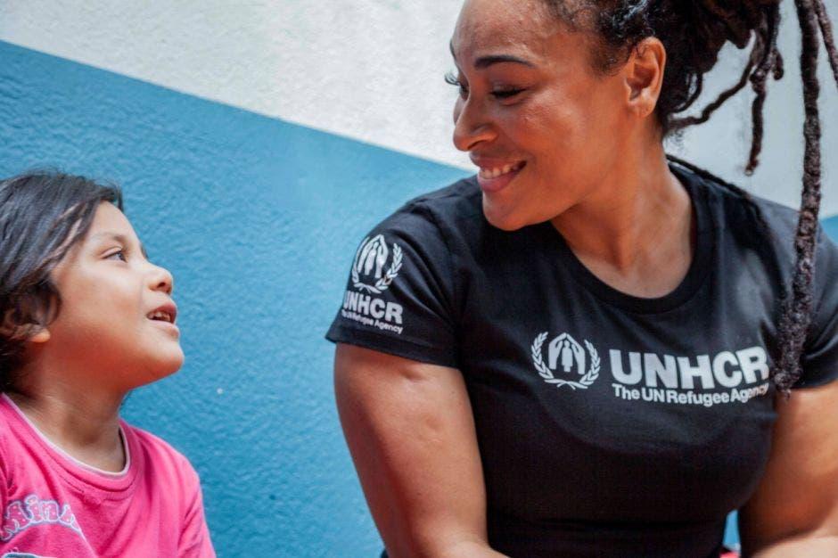 Hanna Gabriels mira una niña