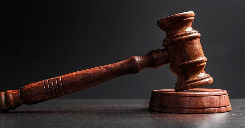Foto de un mazo de juez