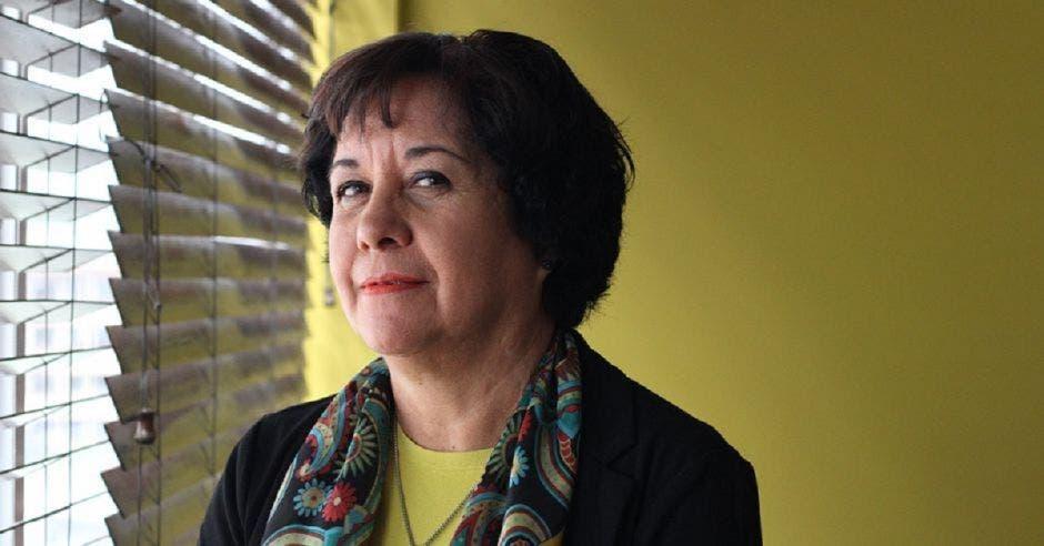Giselle Cruz, ministra interina de Educación en su despacho