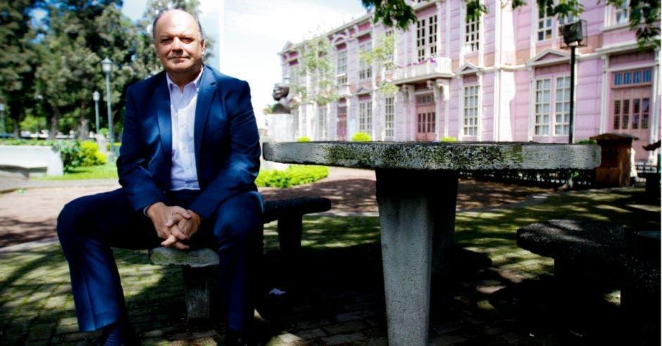 Rodolfo Piza, ministro de la presidencia, anunció el acuerdo. Archivo/La República