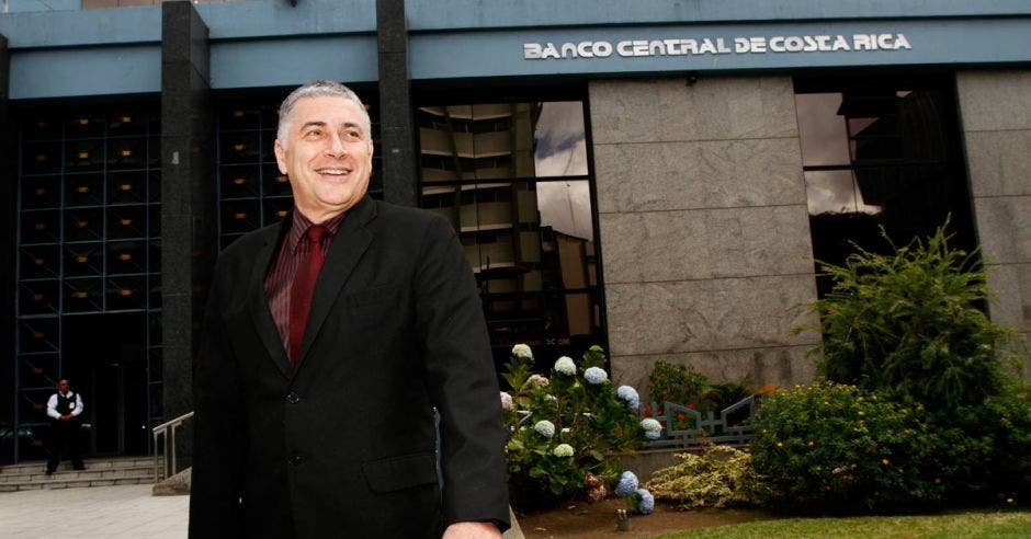 Banco Central, Carlos Melegatti