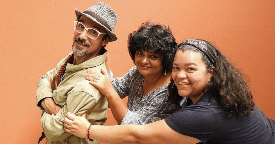 Luis Diego Méndez, Lilliana Gutiérrez e Ingrid Sánchez, expositores