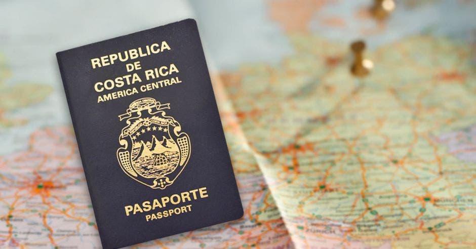 Pasaporte de Costa Rica color azul