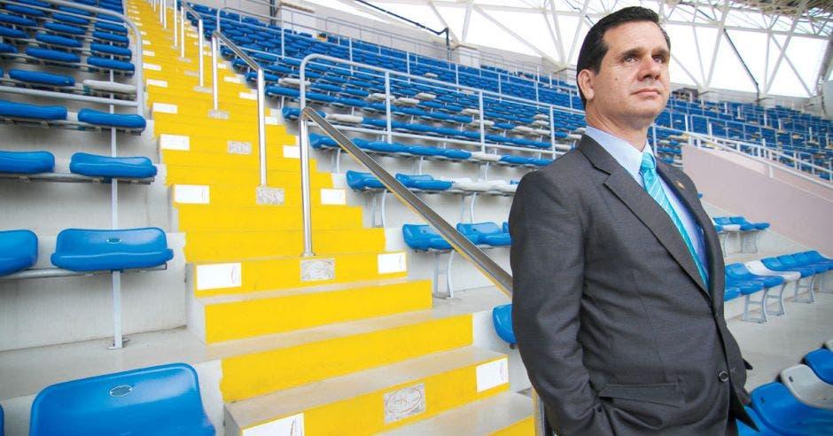 Hernán Solano en el estadio nacional