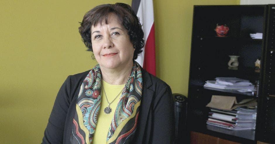 Giselle Cruz, ministra de Educación en su despacho
