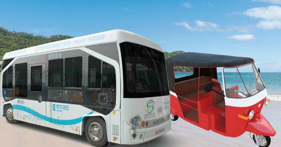 Un bus eléctrico y un tuk-tuk