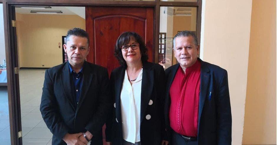Gilberto Cascante, Giselle Cruz y Gilbert Díaz