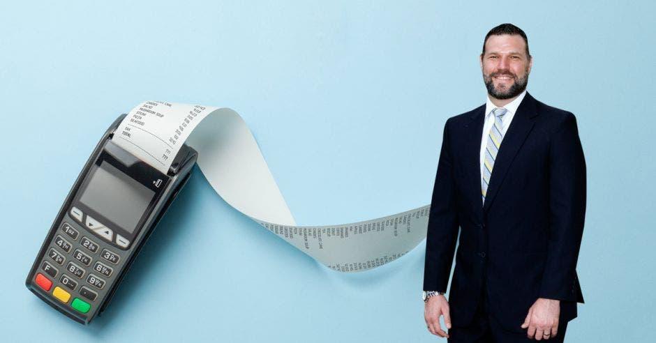 Daniel Suchar y consultas sobre el IVA en facturas