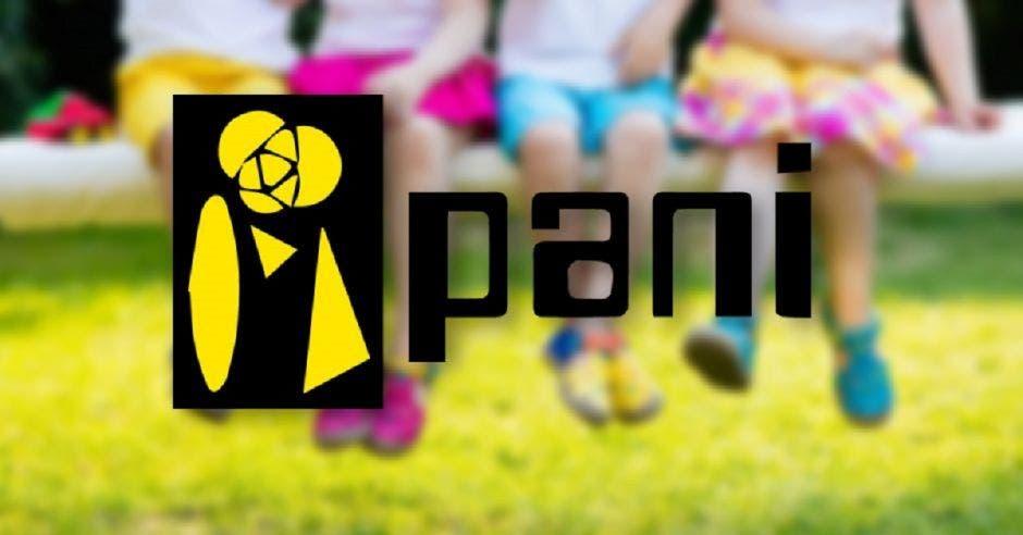 Silueta de niñas y el logo del PANI