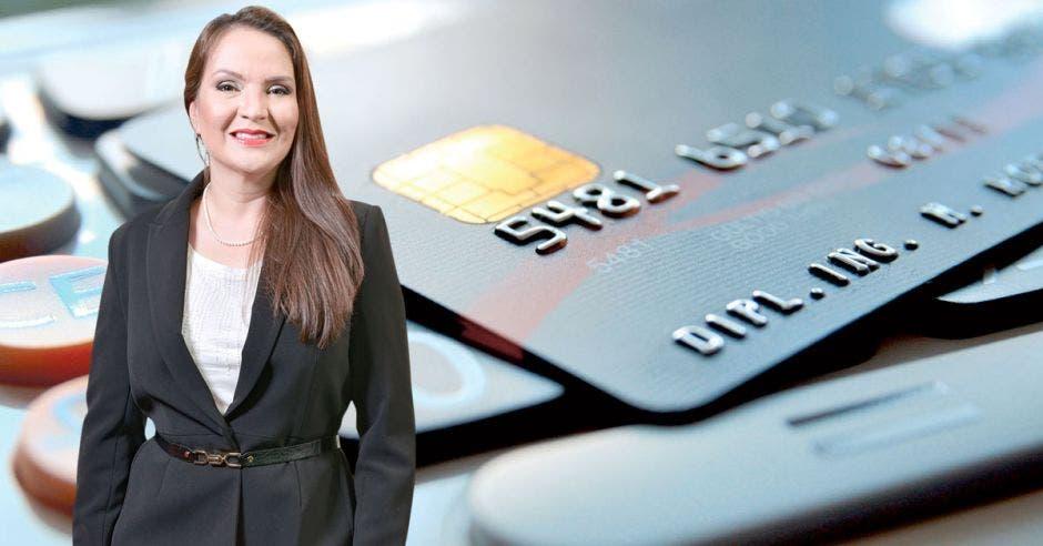Viviana Hidalgo, tarjetas de crédito