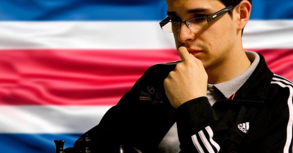 Sergio Durán en partida de ajedrez