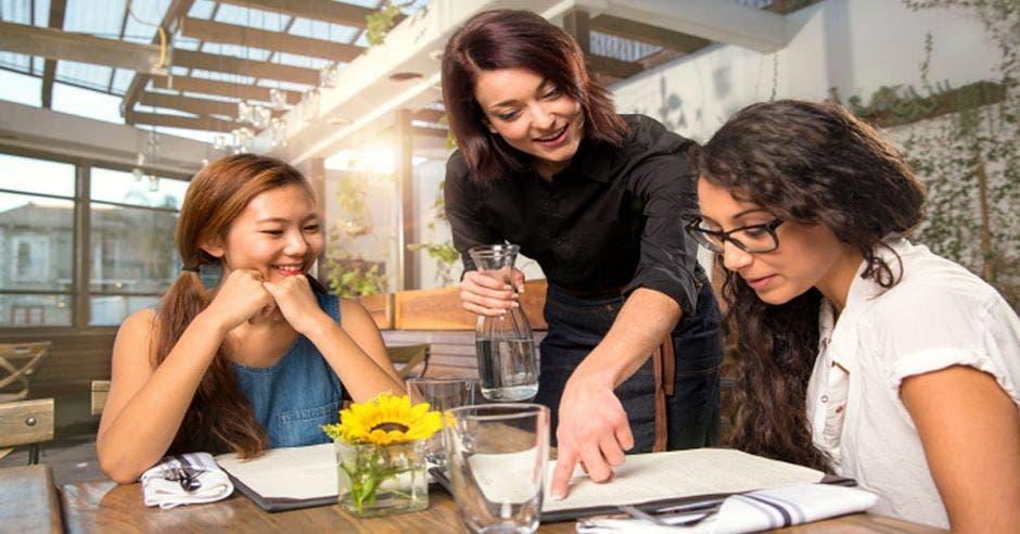 mujeres en reunión
