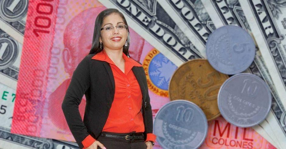 Monedas, billetes, Roxana Morales