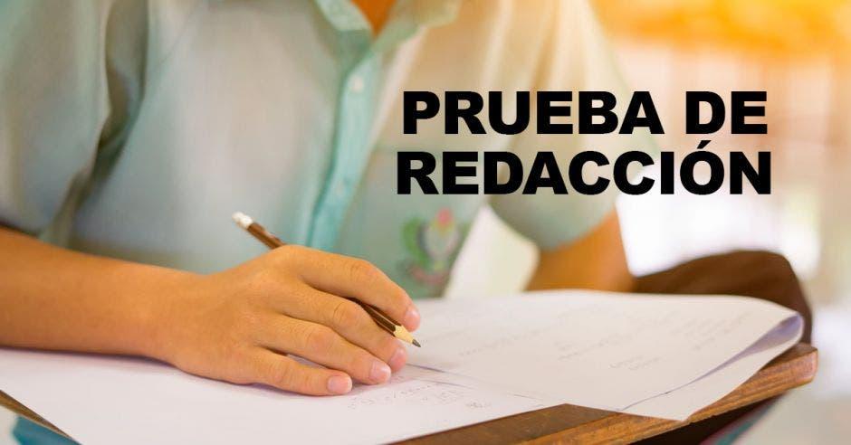 Un estudiante haciendo un examen y la palabra Prueba de Redacción