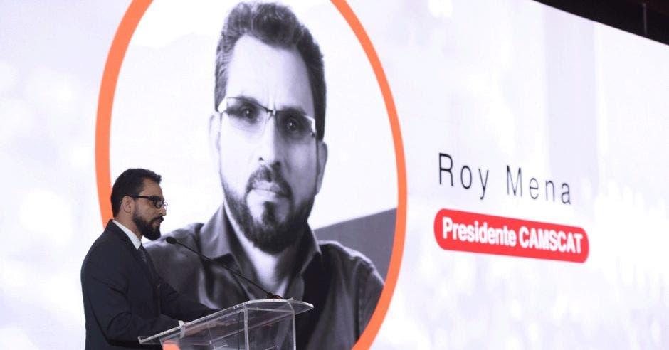 Roy Mena, Sykes