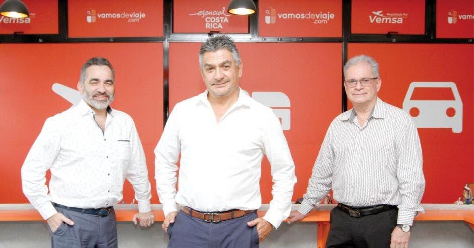 Juan Rafael Oliver, Alan Rodríguez y Alvaro Anchía (en orden de izquierda a derecha) son los socios fundadores de Vemsa. Esteban Monge/La República