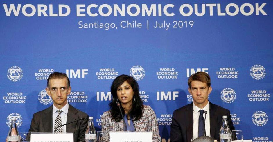Personeros FMI, World Economic Outlook