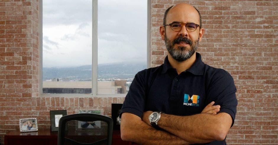 Mario Hernández, Impesa
