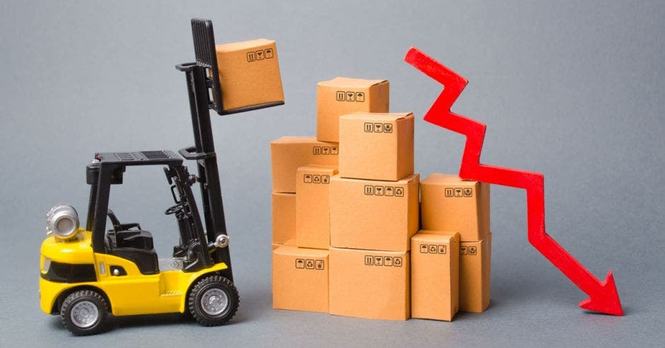 Montacargas, cajas, economía