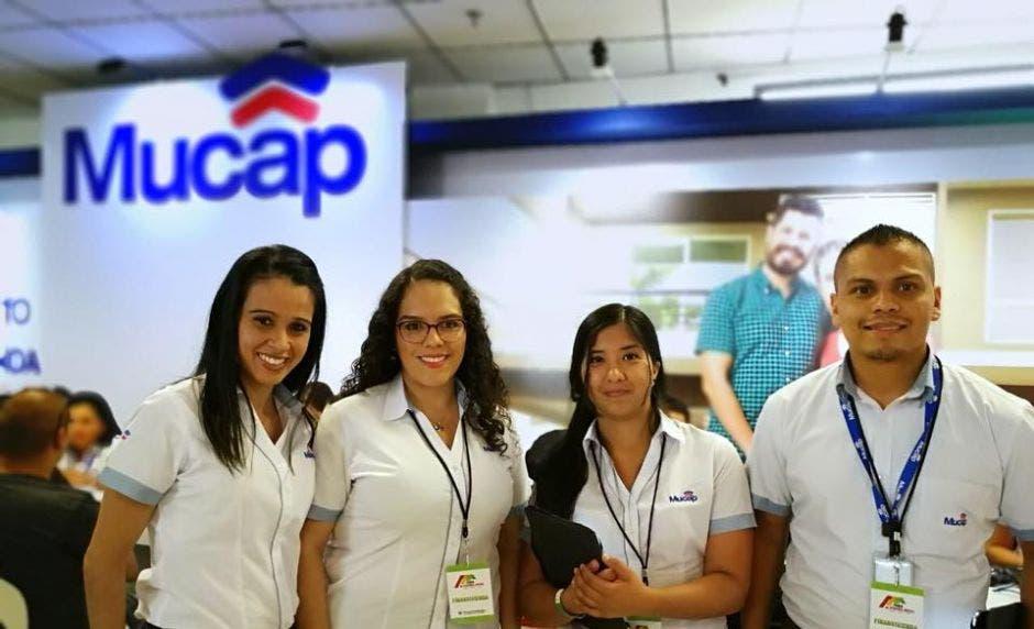 Trabajadores de servicio al cliente de Mucap