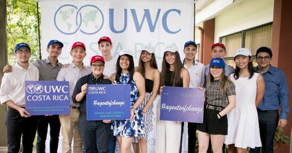14 jóvenes que estudiarán en UWC.