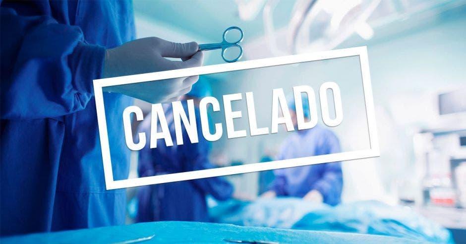 quirófano, rótulo que dice: cancelado