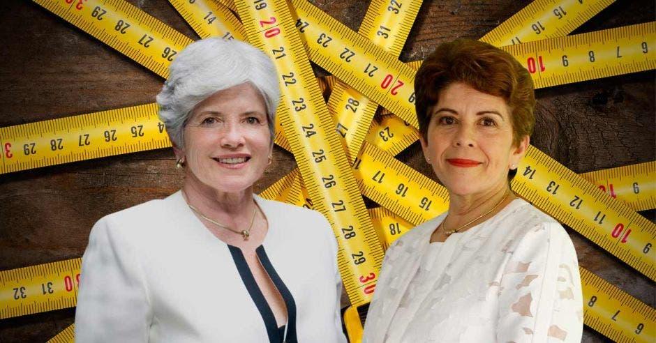 Rocío Aguilar, ministra de Hacienda, y Marta Acosta, contralora general,