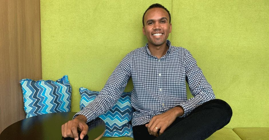 Douglas Neres, gerente de Soluciones en la nube de Microsoft  Costa Rica y uno de los representantes de Blacks at Microsoft