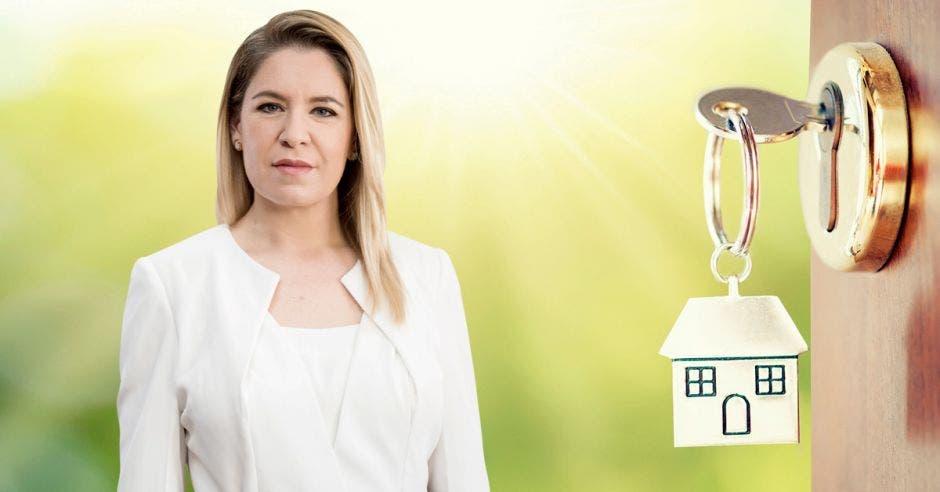 El plan de vivienda para clase media busca atender una población olvidada, mediante el acceso al crédito, destacó Claudia Dobles, primera dama de la República. Elaboración propia/La República