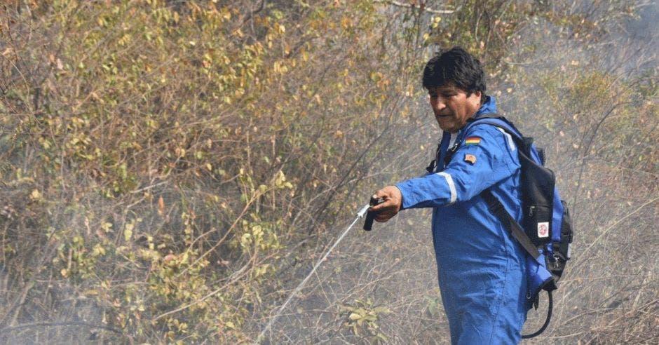 Evo Morales echando agua al fuego