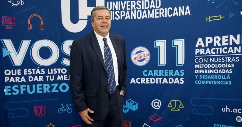 Marco Urbina en la Universidad Hispanoamericana