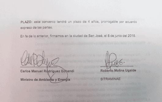 Firma de Carlos Manuel Rodríguez, ministro de Ambiente y Energía y  Roberto Molina, líder del sindicato de Minae