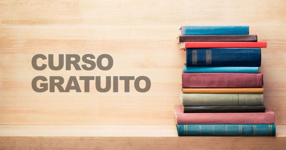 Una pila de libros y la palabra curso gratuito