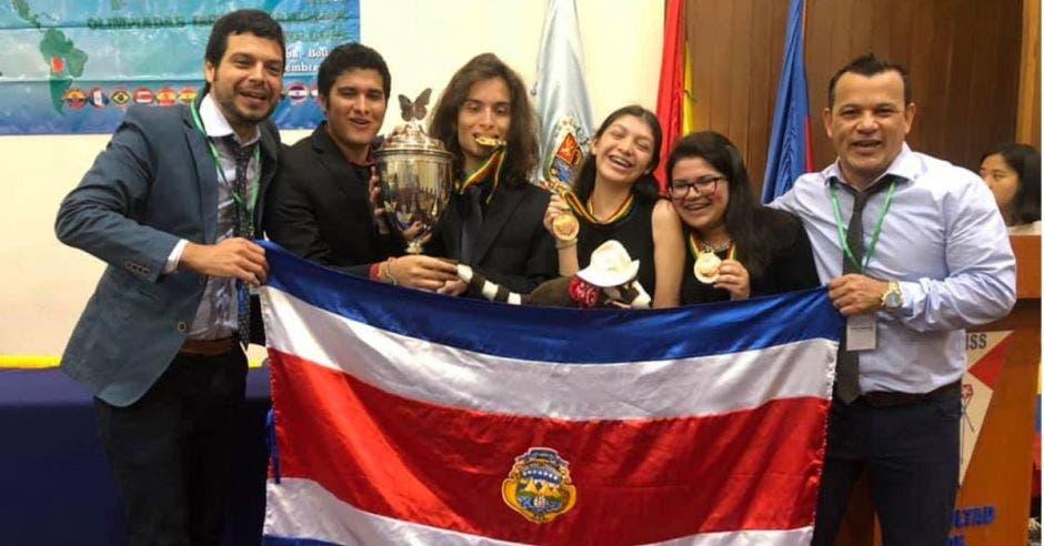 Jóvenes que participaron en la Olimpiada Iberoamericana de Ciencias Biológicas