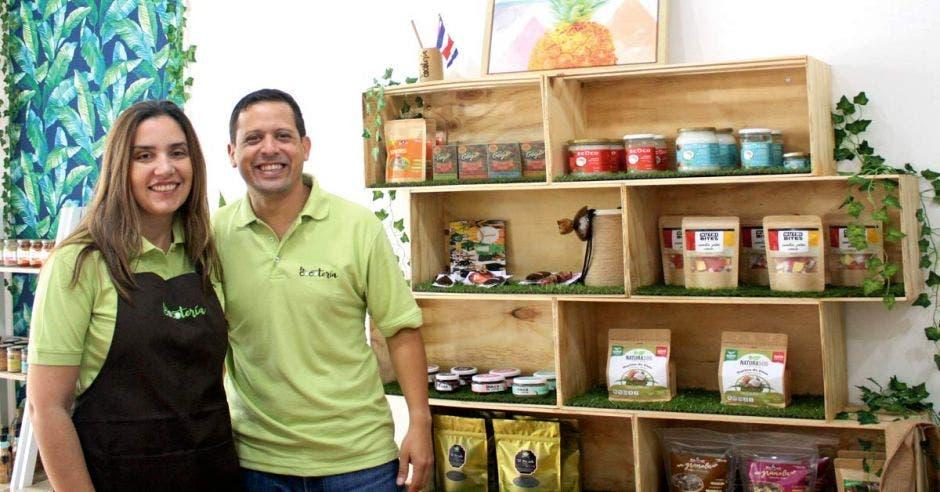 La Cocotería, un emprendimiento creado por César Rangel y Carolina Ferreira, dos venezolanos radicados en Costa Rica. Cortesía/La República