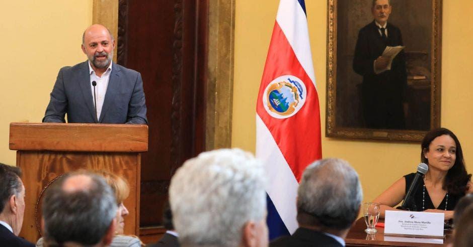 Carlos Manuel Rodríguez, ministro de Ambiente y Energía, hizo la presentación oficial de la PreCOP25 en la Casa Amarilla, en agosto pasado.