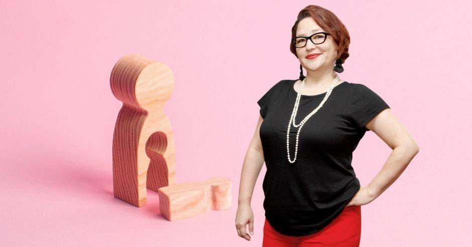 La norma técnica para aplicar el aborto impune ya existe, solo hace falta regularlo, según Larissa Arroyo, directora de la agrupación Acceder. Elaboración propia/La República