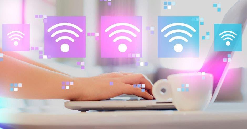 Mano, computadora, Internet
