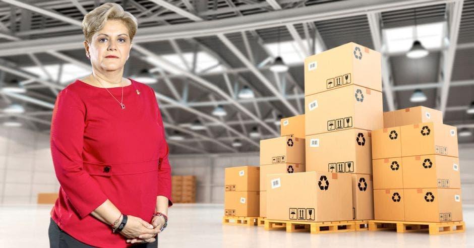 Yolanda Fernández, cajas de productos