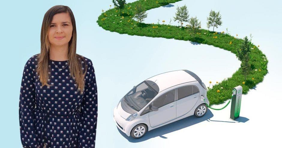 mujer y auto eléctrico de fondo