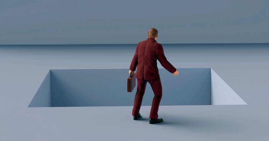 Figura de hombre de negocios ante un vacío