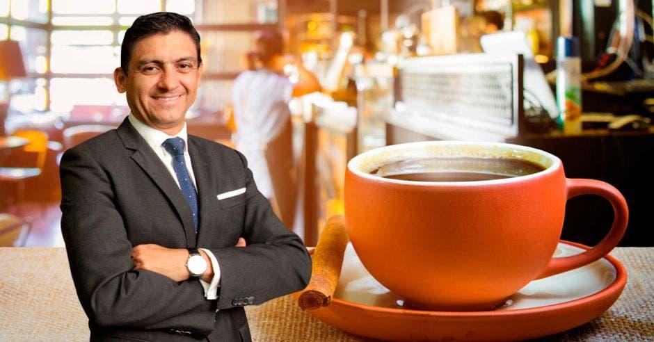 Pedro Beirute, taza de café