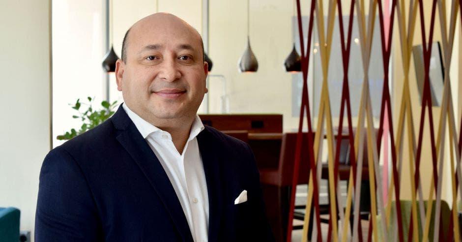 Ismael Morales, gerente general de AC Hotel Escazú. Cortesía AC Hotel by Marriott/La República