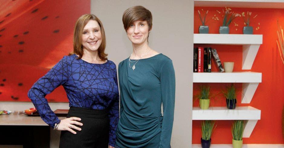 María Soledad Guerra y Nicole Vincent dirigen Megagraf, empresa familiar que definen como su escape creativo