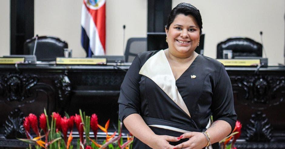 """""""Costa Rica está en deuda con los derechos humanos por este tema, y cada día que pasa esa deuda aumenta, cada vez es más grande la violación de los derechos humanos de las mujeres, y con el atraso, el presidente lo permite"""", dijo Paola Vega, diputada del Partido Acción Ciudadana. Archivo/La República."""