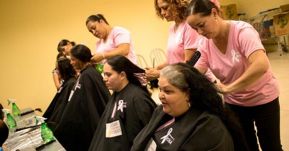 Gracias a la campaña realizada en octubre del 2018, se obtuvieron 1.684 trenzas de las personas que donaron su cabello, Cortesía/La República