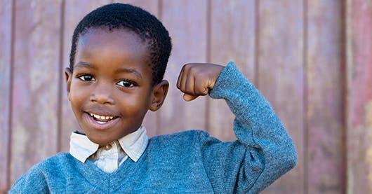 """Un niño """"alfa"""" que refleja seguridad, fortaleza y amor"""