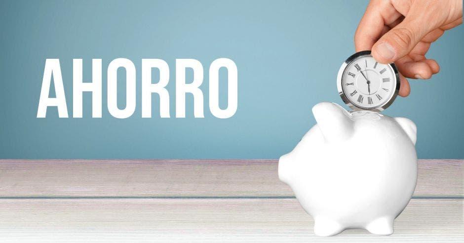 Alcancía, ahorro, reloj