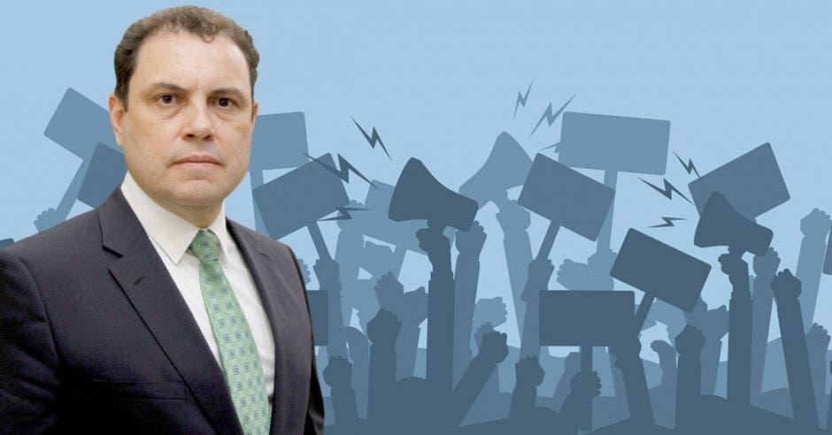 La amenaza que enfrentan los sindicatos se desprende de un fallo de la Sala IV del viernes anterior en torno al proyecto que regularía las huelgas en el país. Carlos Ricardo Benavides, presidente del Congreso, fue uno de los grandes defensores del proyecto. Shutterstock-Elaboración propia.