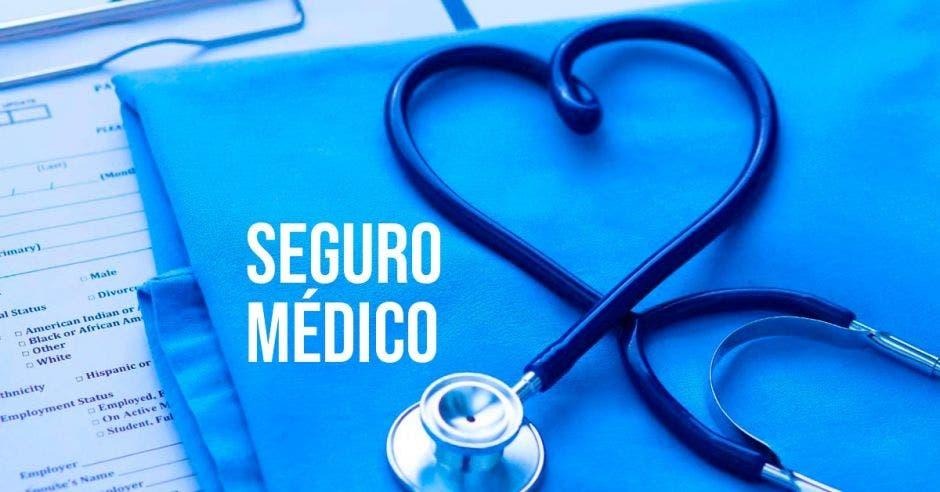 Estetoscopio, seguro médico, bata